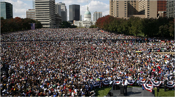 Obama Draws 100 000 At St Louis Rally From The Left